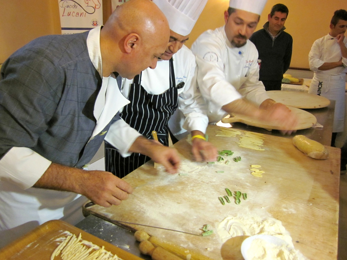 COOKING CLASS & MARKET VISIT IN MATERA