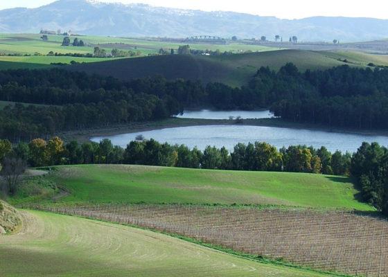 lago-san-giuliano-e-cripta-del-peccato-originale-in-mtb-8