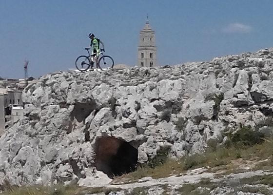 villaggio-neolitico-e-chiese-rupestri-in-mtb-7
