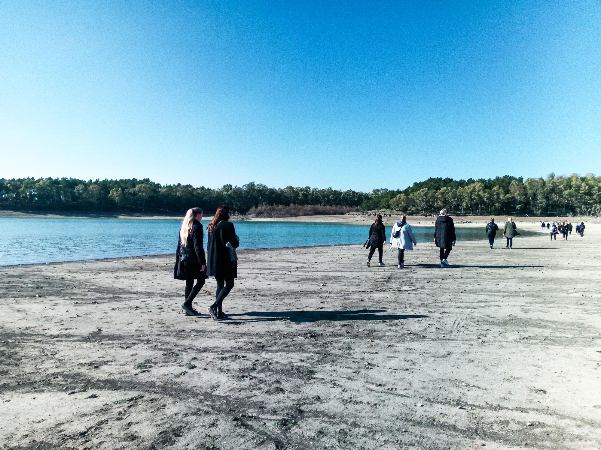 Trekking costeggiando la diga di San Giuliano